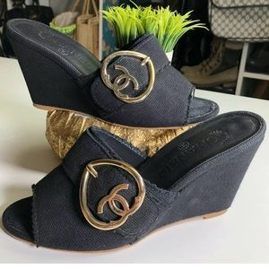 Chanel Authentic Logo CC Heart Buckle Wedges 37.5